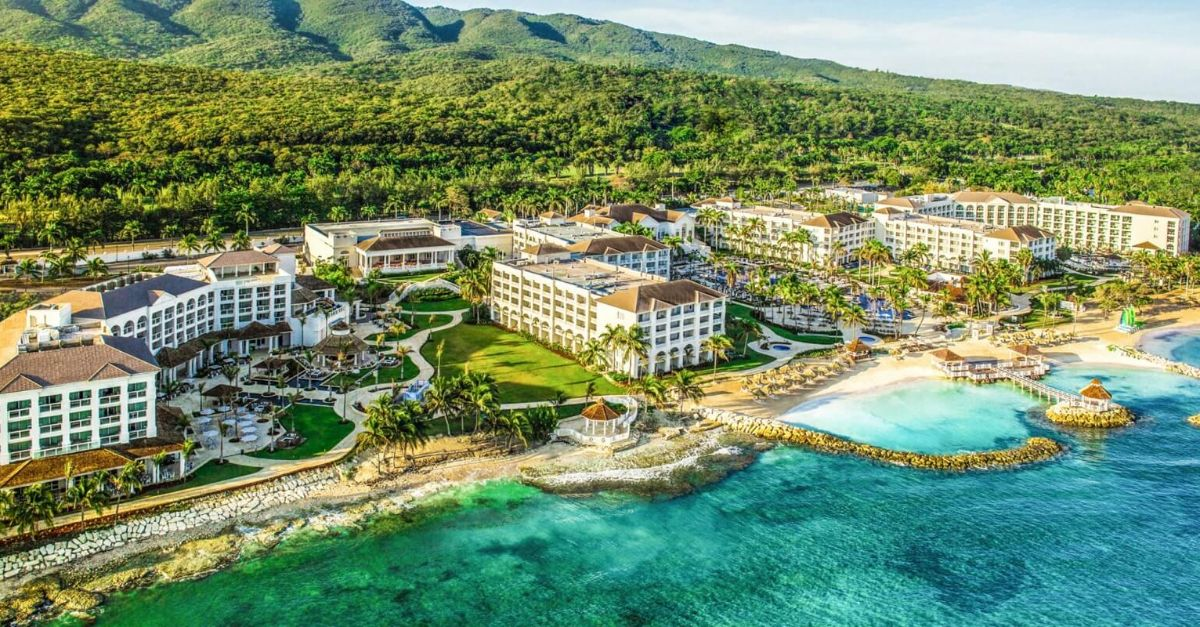 Jamaica Travel Guide: Feel the Heartbeat of the Caribbean
